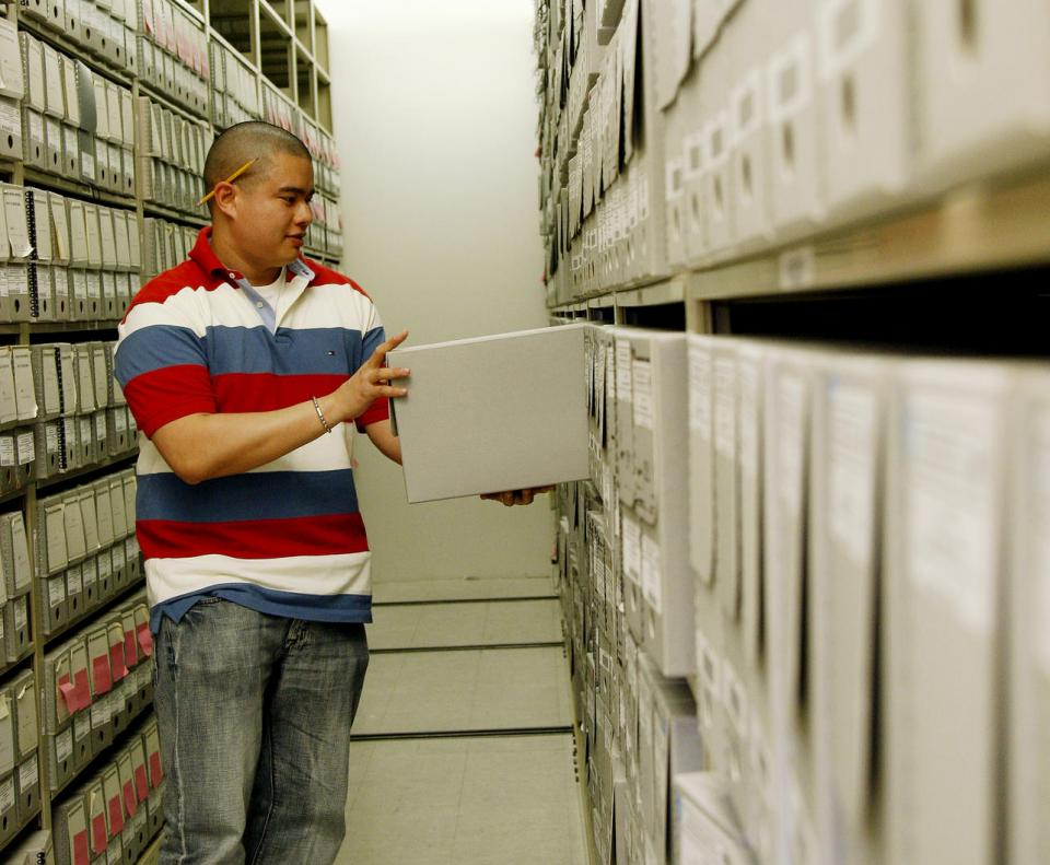 Manage archives photo