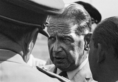 The UN Secretary-General Dag Hammarskjöld arrived in Katanga on the 12th for talks with Katanga authorities and Belgian representatives concerning the modalities of the withdrawal of the Belgian troops and the deployment of the UN Force. At Elisabethville airport prior to his return in Leopoldville.
